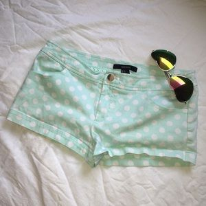 ❤️F21 mint polka dotted shorts